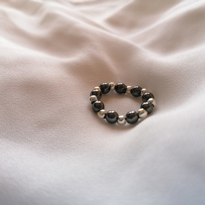 SILVER PLATED BEADED RINGS WITH ROUND HEMATITE STONES - βεράκια, αιματίτης, chic, φθηνά, σταθερά