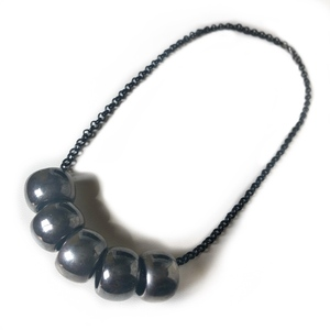 Black bullets short necklace